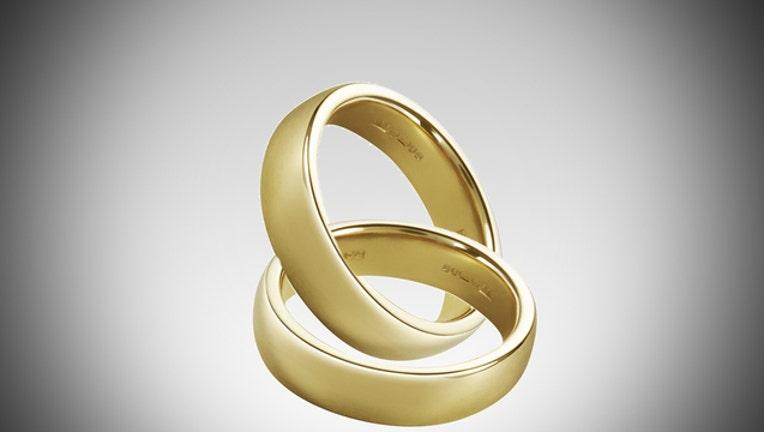 wedding-rings_1451093516160-404023-404023.jpg