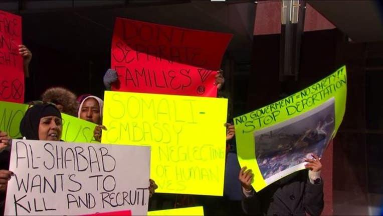 579a8793-somali families protest_1520473011040.JPG.jpg