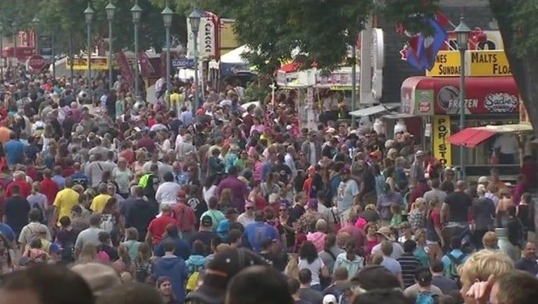 5e45b80b-MN State Fair crowd