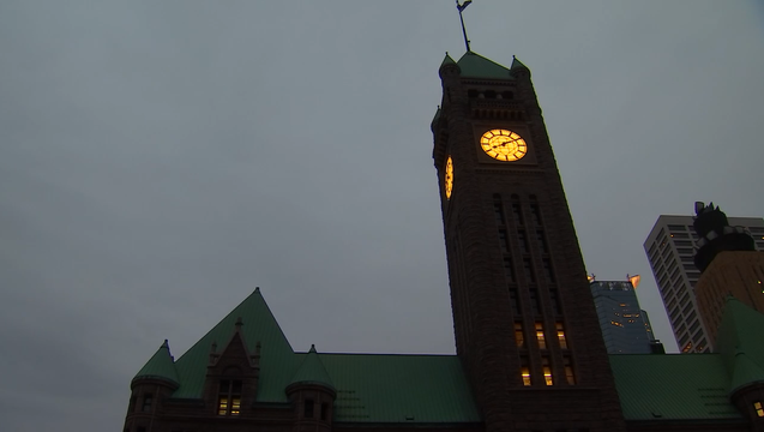 4-24 city hall clock relighting.mp4_00.00.14.05_1493086736728.png