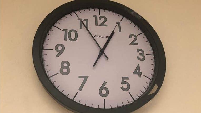 7bc6ad30-KTVU_wall_clock_09_02_18_1535918275092-405538.JPG