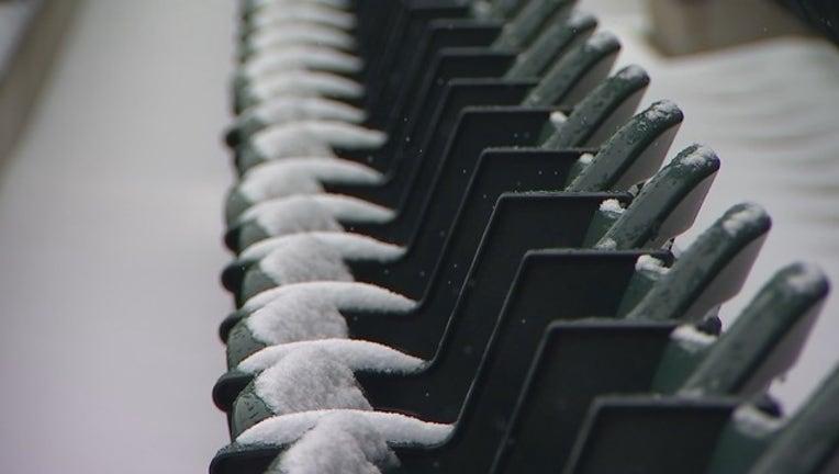 Snow at Target Field RAW TEASE VO_KMSP66b3_186.mp4_00.00.20.00_1522720677247.png.jpg