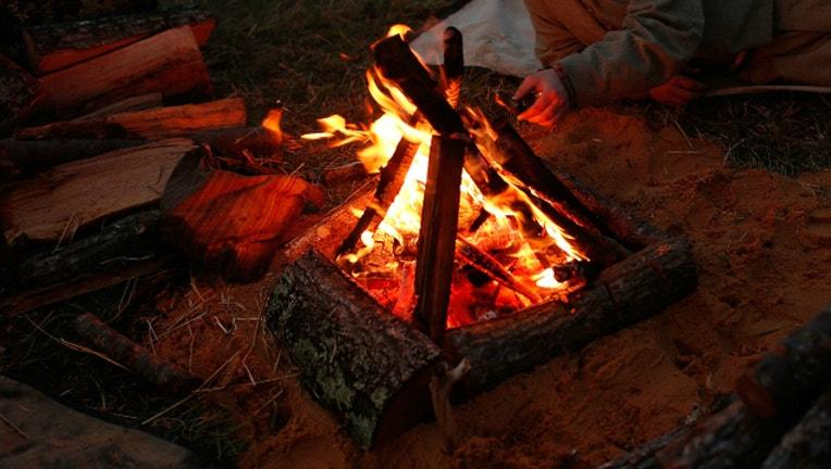 b68e8d80-GETTY_campfire_1532724249264.jpg
