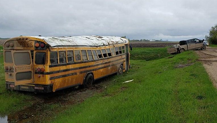 bef68a33-School bus rollover Traverse County