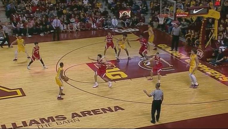 fa0fe450-Gophers basketball vs Wisconsin_1489030373605.JPG
