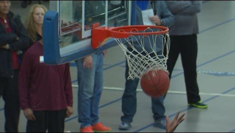 fc6a16ce-high school basketball_1452617350103.JPG