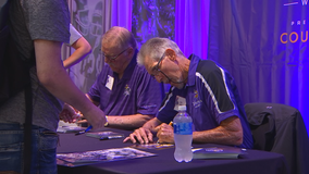 Vikings legends visit Mall of America as part of NFL 100 celebration