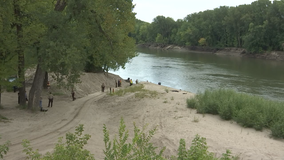 Body found near location of unoccupied boat in Minnesota River, no foul play suspected