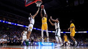 Oturu's career-high 30 points leads Gophers past No. 19 Michigan, 75-67