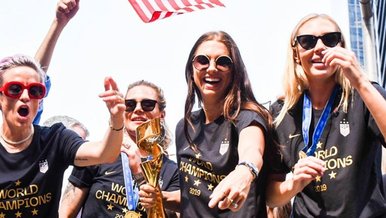 d435efcf-FOX_world cup parade_071419_1563134270949.png-402429.jpg