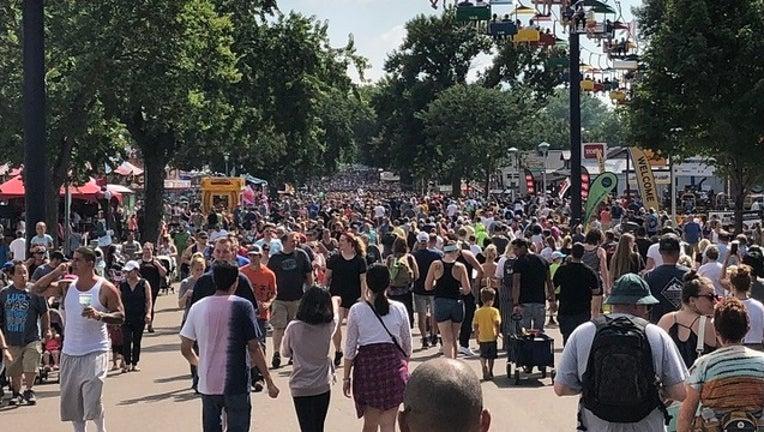 88d40da5-mn-state-fair-crowded_1536081986279.jpg