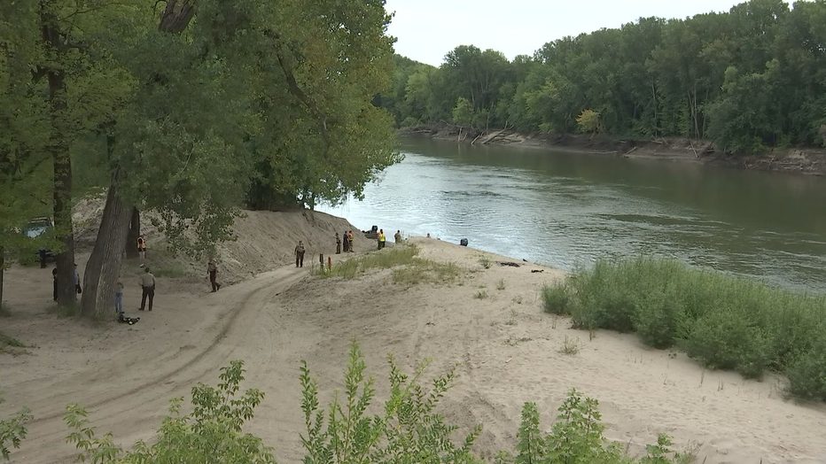 Man found dead in Minnesota River identified by mourning