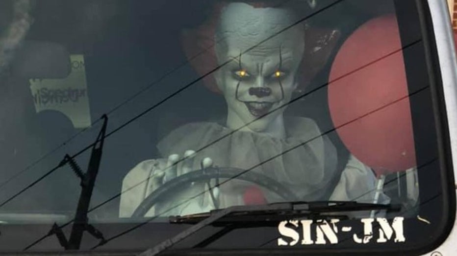 ANDREW-JOHNSON_Pennywise-Jeep-2_092519_1569426400108.png_7675258_ver1.0_640_360.jpg