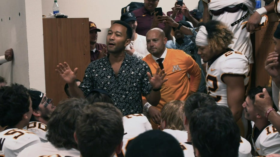 John Legend speaks to players