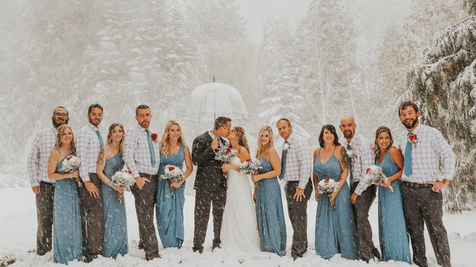 Surprise Snowstorm Takes Over Arizona Couple's Fall