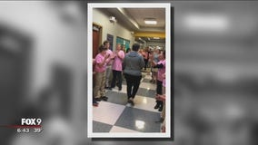 100s of middle schoolers show support for Cologne, Minn. band teacher starting chemotherapy