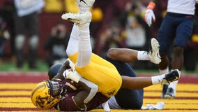 Gophers WR Tyler Johnson reels in circus touchdown catch