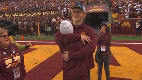 Gophers homecoming brings together bone marrow transplant patient and donor