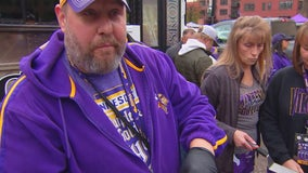 Vikings fans tailgate and then celebrate big win over Eagles