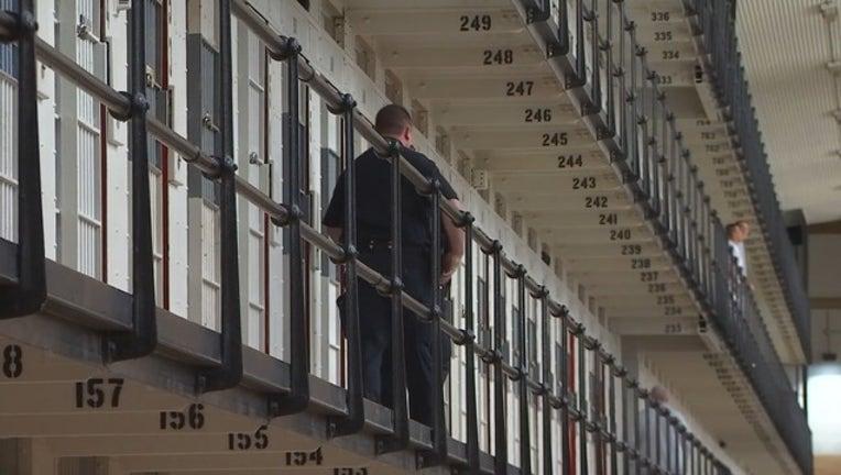 9c8e54c0-prison guard 1