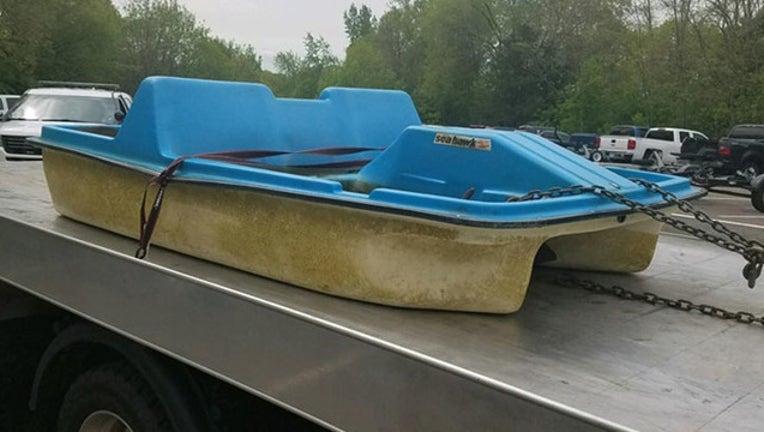 8db1a599-chisago lake boat float_1559246559956.jpg.jpg