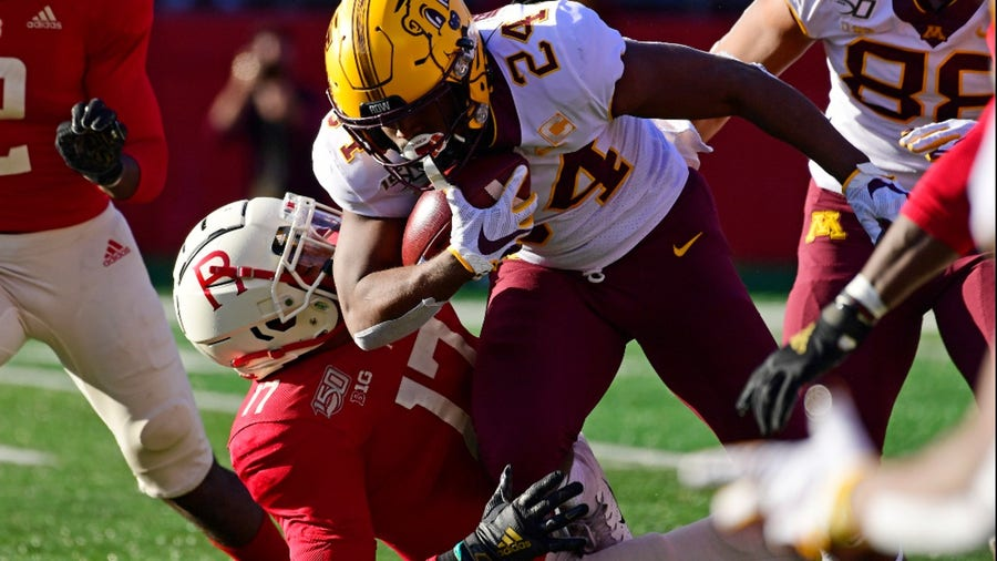 Gophers dominate Rutgers 42-7, Casey O'Brien holds 3 PATs in historic win