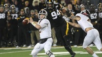 Takeaways: Gophers lose at Iowa, 23-19