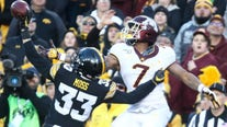 Floyd stays in Iowa: Gophers' rally falls short in 23-19 loss to Hawkeyes