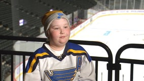 Wild honor St. Louis Blues superfan during 'Hockey Fights Cancer' Night