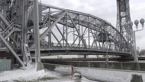 Duluth's Lift Bridge stuck in down position due to weight of ice buildup