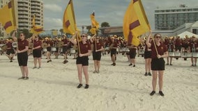 Gopher fans hit the beach ahead of Outback Bowl