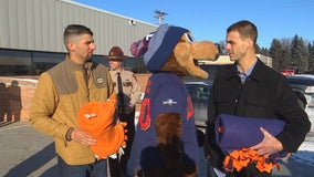 Twins pitchers donate 50 blankets to Minnesota State Patrol to keep kids warm at crash scenes
