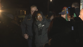 Sheriff's deputies with guns drawn evict homeless moms from Oakland home
