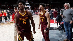 Carr hits late 3, Gophers win at Ohio State 62-59