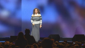Oprah makes tour stop in St. Paul with goal to help women find new focus in 2020