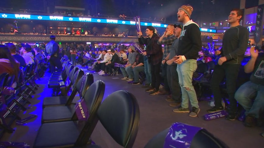 Thousands of fans pack Armory in Minneapolis for city's first major e-sports event