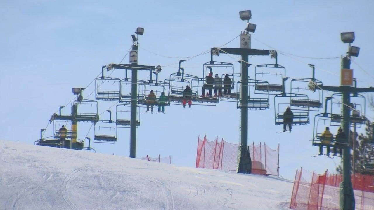 speed dating ski lift)