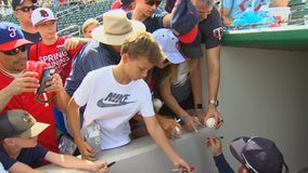 Twins players pre-signing balls to reduce contact amid coronavirus outbreak