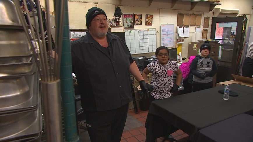 Minneapolis police work with caterer, nonprofit to serve meals for people in need during pandemic