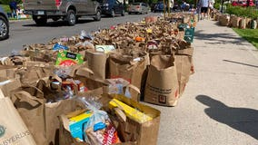 Minneapolis community fills sidewalk with groceries after riots destroy stores