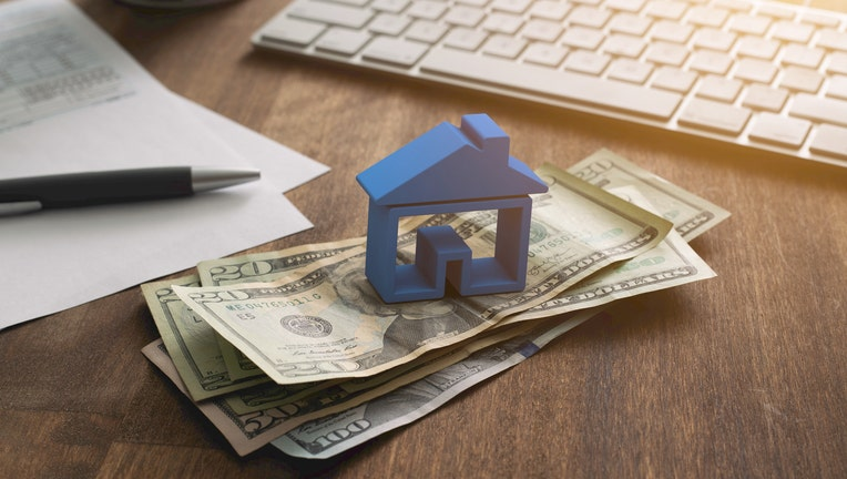 Credible-save-money-mortgage-iStock-1166676079-1.jpg