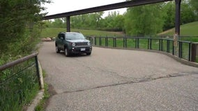 Minnesota Zoo to offer drive-thru experience as lawmakers squabble over bailout