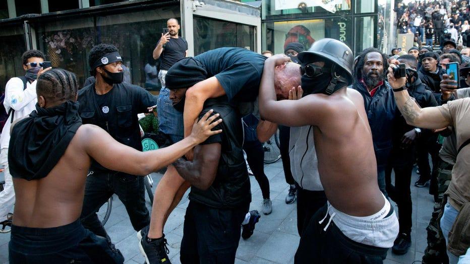 GETTY-blm-protest-rescue-1.jpg