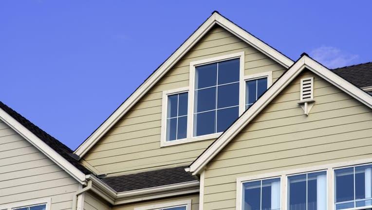 mortgage-refi-184092684.jpg