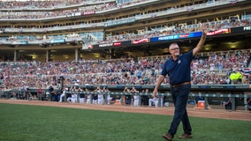 Beloved announcer Bert Blyleven broadcasts final Twins game after 25 seasons