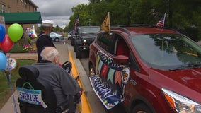 Community recognizes WWII veteran's 98th birthday with car parade in Bloomington, Minn.