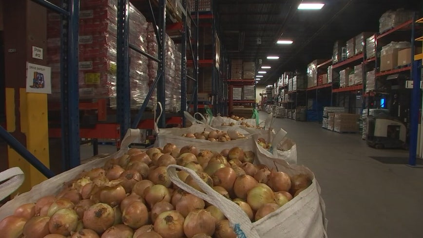 Minnesota food banks struggling during the pandemic say more trouble lies ahead
