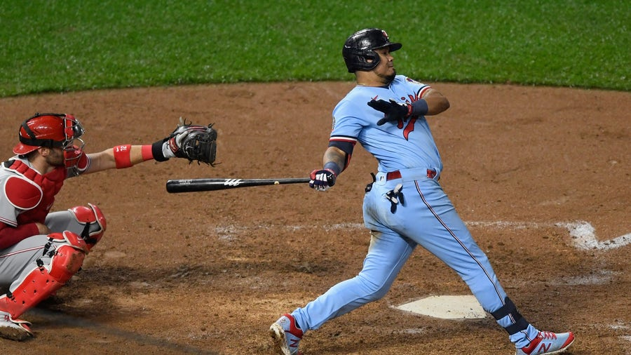 Twins clinch 2nd straight AL Central title after White Sox loss to Cubs