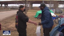 Advocates spend Thanksgiving feeding people facing homelessness as pandemic drives up need