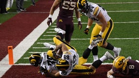 Gophers pounded in 35-7 loss to Iowa, fall to 1-3